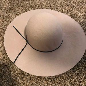 Beige Felt Floppy Hat